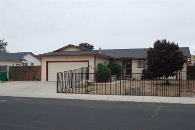 Fernley Single Family Home Active/Pending-House: 535 Nader Way