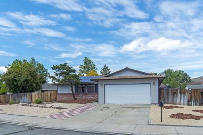 Sparks Single Family Home For Sale: 3279 Candelaria Drive