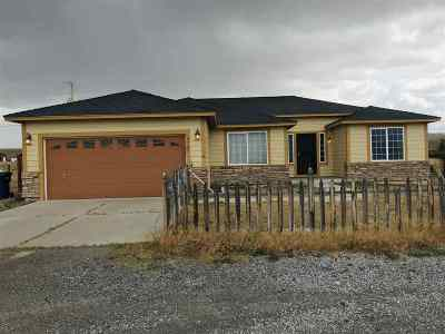 Fernley Single Family Home Active/Pending-Loan: 4365 Whitney Lane