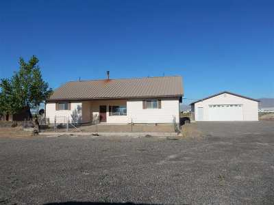 Battle Mountain Single Family Home For Sale: 1579 1800 East