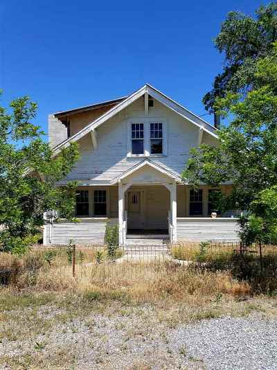 Single Family Home For Sale: 200 Apache St.
