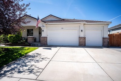 Sparks Single Family Home Active/Pending-House: 4264 Desert Highlands Drive