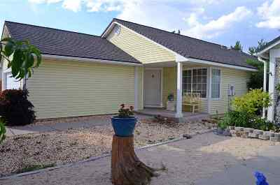 Sparks Single Family Home New: 1738 Bluehaven