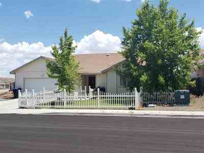 Fernley Single Family Home For Sale: 364 Emigrant Way