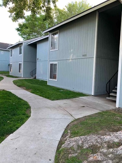 Washoe County Condo/Townhouse For Sale: 4604 Neil Road #107