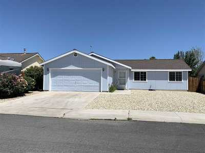 Fernley Single Family Home Active/Pending-Loan: 926 Atrium Circle