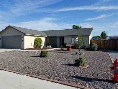 Fernley Single Family Home Active/Pending-Loan: 138 Shadow Mountain