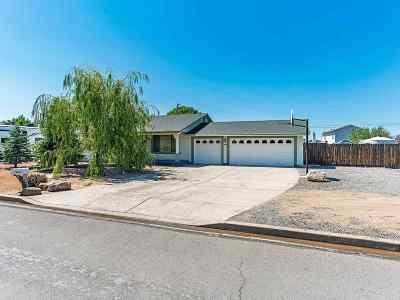 Sparks Single Family Home For Sale: 50 Palm Desert Court