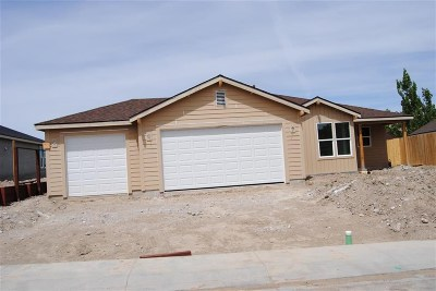 Fernley Single Family Home For Sale: 845 Garnet Way #Lot 110