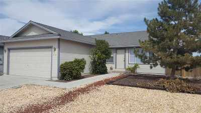 Fernley Single Family Home For Sale: 910 Jessica Ln