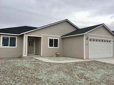 Fernley Single Family Home Active/Pending-Call: 4520 Rutledge