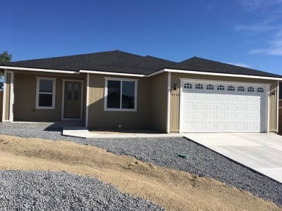 Fernley Single Family Home For Sale: 4516 Rutledge