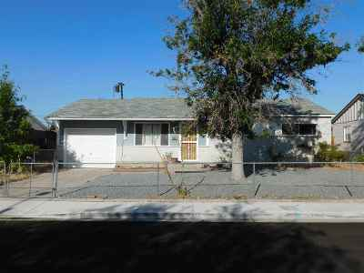 Sparks Single Family Home For Sale: 2675 Stine