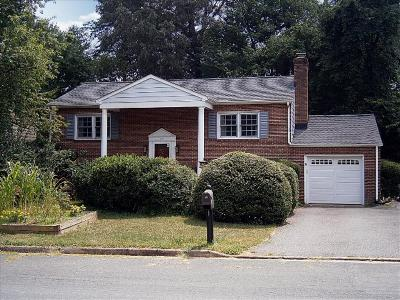 Single Family Home SELLER SAVED $4,270!*: 312 Eastbrook Drive