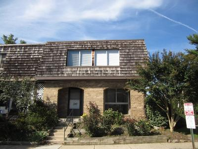 Condo Seller Saved $3,392!*: 340 Deer Park Road #4-E