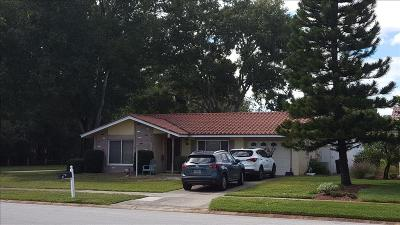 Single Family Home Pending: 650 Leeward Way