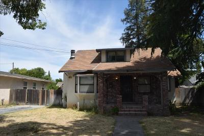 Single Family Home For Sale: 617 Park St
