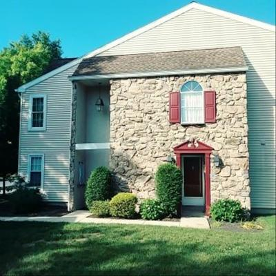 Wyomissing PA Single Family Home For Sale: $149,900