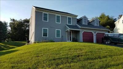 Stevens PA Single Family Home For Sale: $220,000