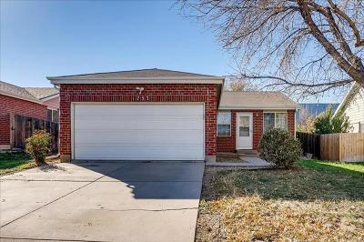 Aurora CO Single Family Home For Sale: $295,000