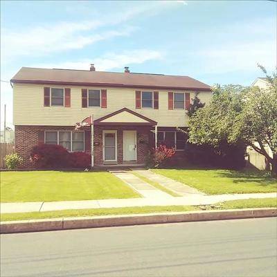 Reading PA Single Family Home For Sale: $139,900