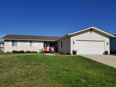Single Family Home SELLER SAVED $12,345!!: 2552 Bursell Drive