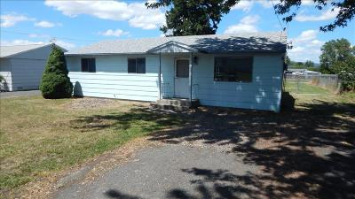 Single Family Home SELLER SAVED $2,055!!: 913 Linden Ave.