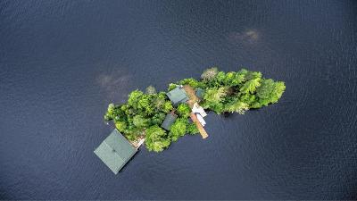 Single Family Home For Sale: 869 Spruce Island, Upper Saranac Lake