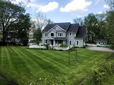 Essex County Single Family Home For Sale: 46 Old Arsenal Rd