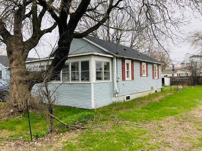 Single Family Home For Sale: 23 Riverside Avenue