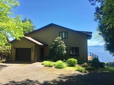 Essex County Single Family Home For Sale: 98 Water Edge