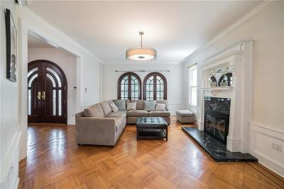Brooklyn Single Family Home For Sale: 284 Bay 10 Street