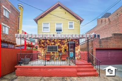 Brooklyn Single Family Home For Sale: 104-13 47 Avenue