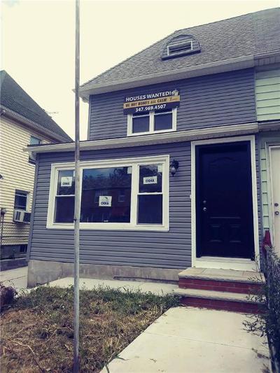 Brooklyn Single Family Home For Sale: 829 East 48 Street