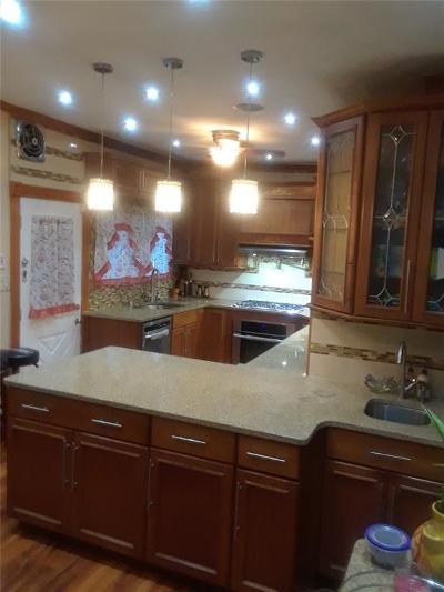 Brooklyn NY Single Family Home For Sale: $950,000