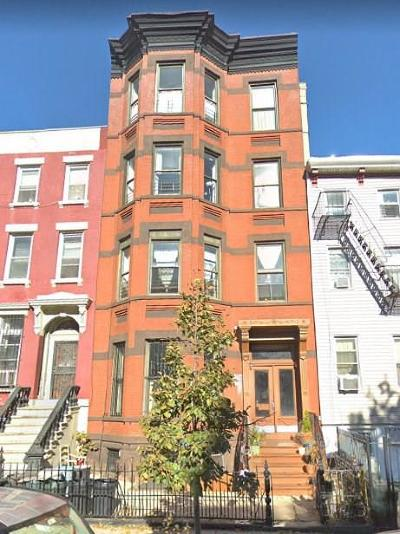 Brooklyn Multi Family Home For Sale: 133a Quincy Street