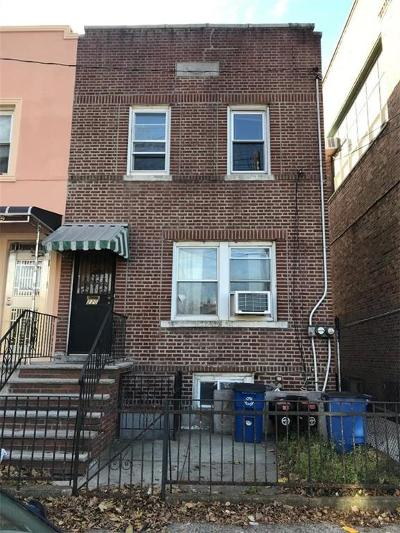 Brooklyn Single Family Home For Sale: 220 Lake Street