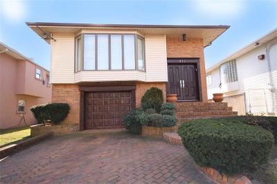 Mill Basin Single Family Home For Sale: 417 Mayfair Drive