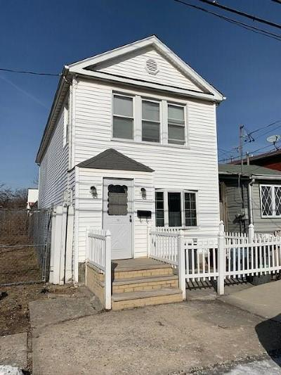 Single Family Home For Sale: 152 Bay 53 Street