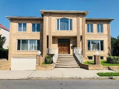 Brooklyn Multi Family Home For Sale: 185 Exeter Street