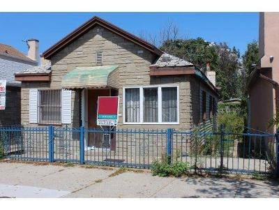 Single Family Home For Sale: 3079 Emmons Avenue