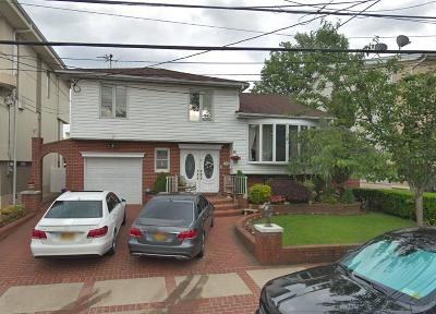 Single Family Home For Sale: 345 Mayfair Drive