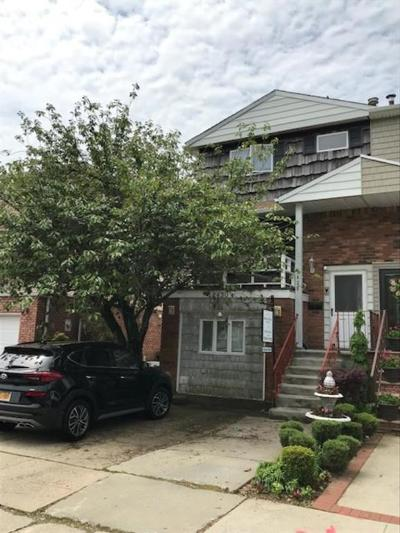 Brooklyn NY Single Family Home For Sale: $749,000