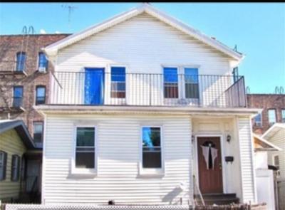 Brooklyn Multi Family Home For Sale: 3045 Brighton 8 Street