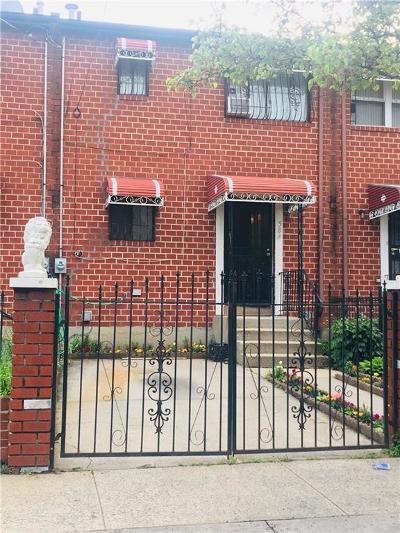 Brooklyn Single Family Home For Sale: 584 Hendrix Street