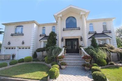 Staten Island Multi Family Home For Sale: 15 Cottontail Court