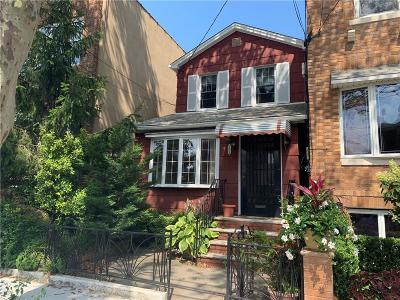 Brooklyn NY Single Family Home For Sale: $828,000