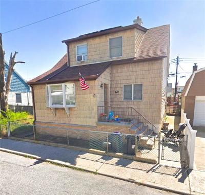 Brooklyn Single Family Home For Sale: 61 Dictum Court