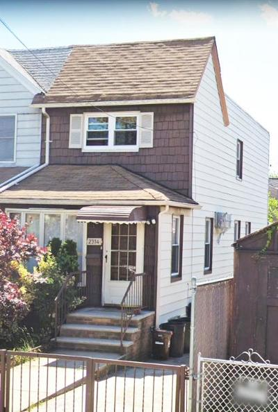 Brooklyn Single Family Home For Sale: 2314 Plumb 1 Street