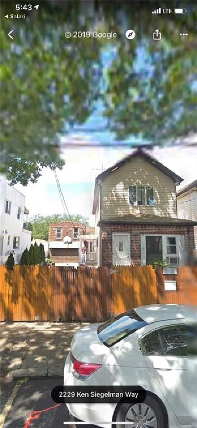 Brooklyn Single Family Home For Sale: 2228 West 5 Street